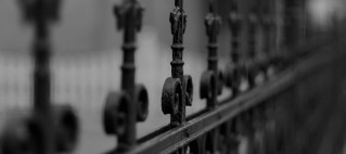 fence-77940_1920